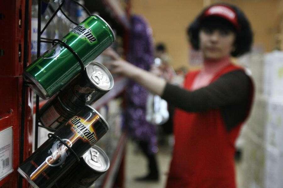 В России намерены приравнять все энергетики к алкоголю