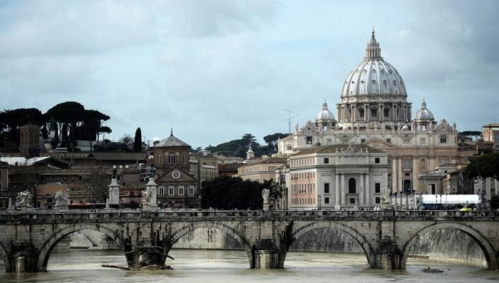 Ватикан усиленно «отмазывается» от своих американских педофилов в рясах