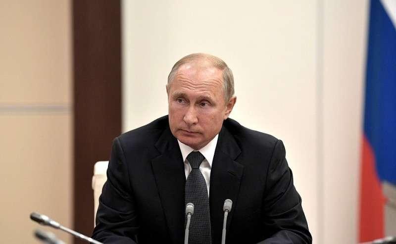 Владимир Путин провёл совещание с членами СБ о предстоящих переговорах с Ангелой Меркель