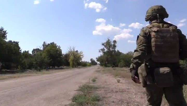 Укро-каратели обстреляли конвой Красного Креста под Донецком