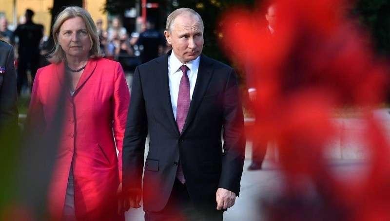 Владимир Путин сделал свадьбу министра МИД Австрии международным событием