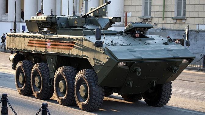 Боевые возможности нового БТР «Бережливый» продемонстрировали на форуме «Армия»