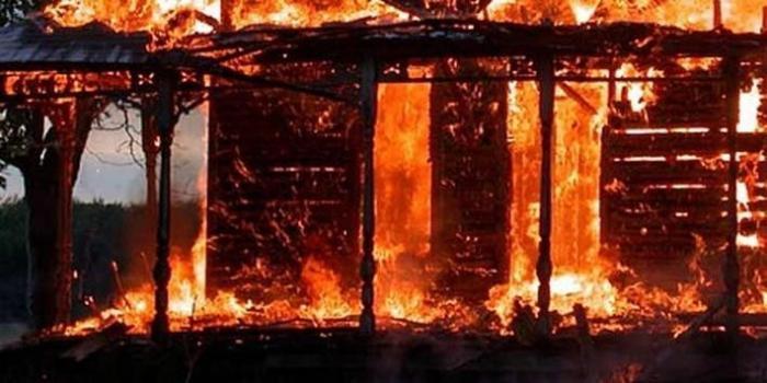 В Омской области школьники спасли двух детей на пожаре