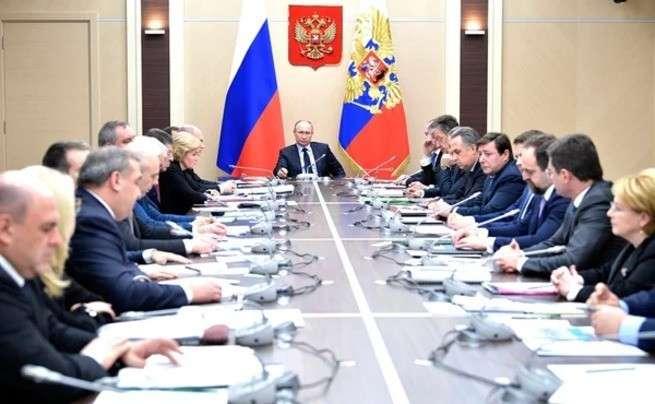 Как либералы в правительстве борется с курсом президента России