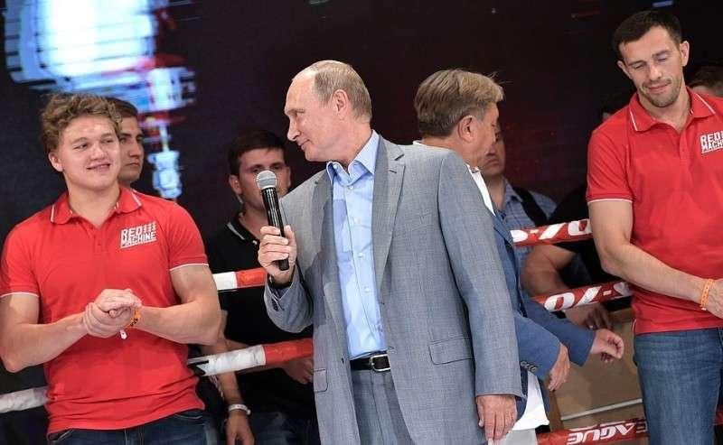 НаIX Международном турнире попрофессиональному боевому самбо «Плотформа S-70».
