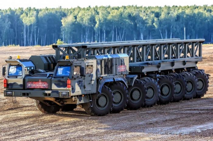 Камаз К-7850 16х16 продемонстрировал ходовые возможности нафоруме «Армия-2018»