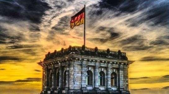 В ЕС вся надежда на Германию: Берлин защитит от США и наладит отношения с Россией