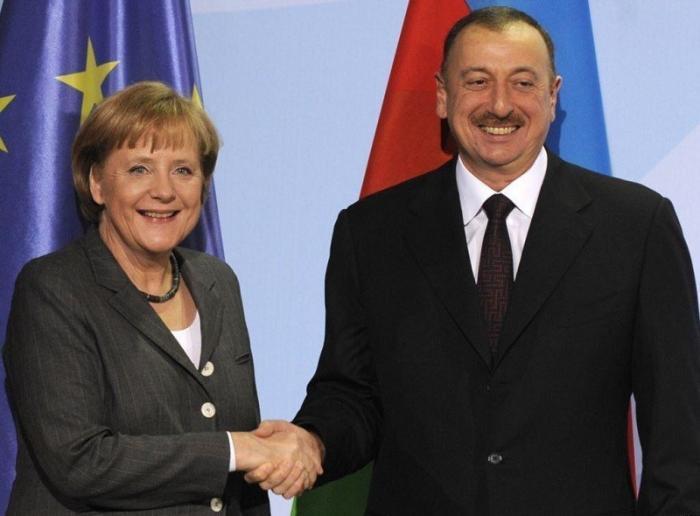 Зачем бабушка Меркель решила потоптаться на заднем дворе России?
