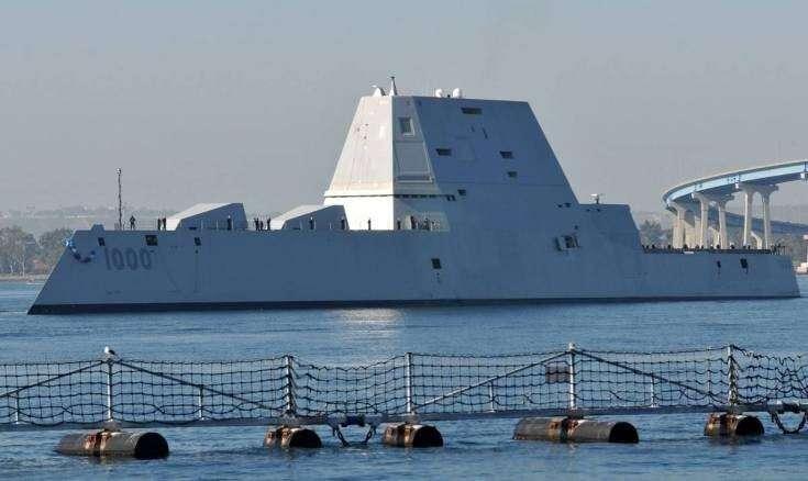 В США плавающие утюги «Зумвальты» выведены из состава ВМС