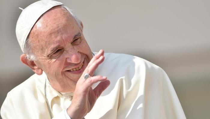 Римского Папу Франциска обвинили в сокрытии педофилии и требуют его отставки