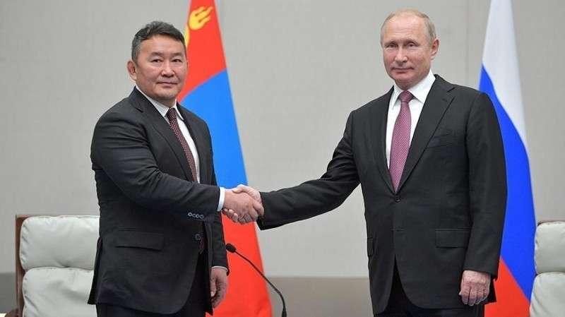 Президенты РФ и Монголии проведут переговоры во Владивостоке