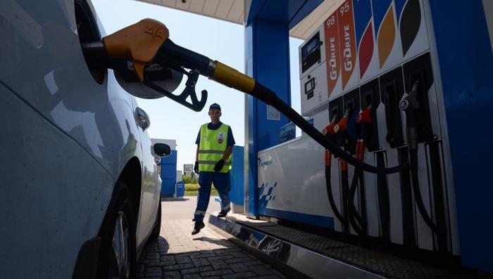 Правительство не будет повышать акцизы на бензин до 1 января 2019 года