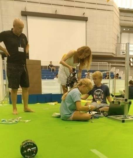 Российские школьники установили мировой рекорд наолимпиаде роботов
