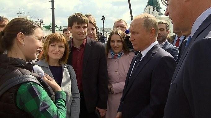 Владимир Путин прибыл вОмск, где встретился с жителями города