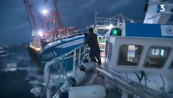 Морской бой в проливе Ла-Манш: французские рыбаки пошли на таран английских сейнеров