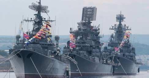 Мощная эскадра ВМФ России пришла в Сирию, напугала НАТО и изменила расклад сил