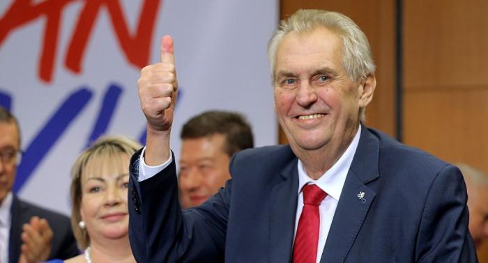 Президент Чехии Милош Земан предложил Совету ЕСснять санкции сРоссии