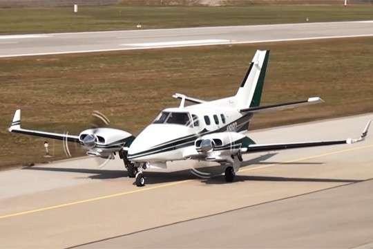 Частный самолет протаранил базу ВВС США во Флориде, есть жертвы и повреждения