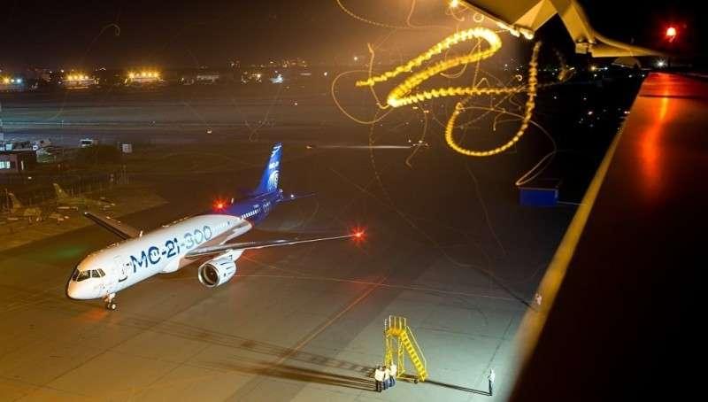Опытный пассажирский самолет МС-21-300 успешно прошел ночные испытания