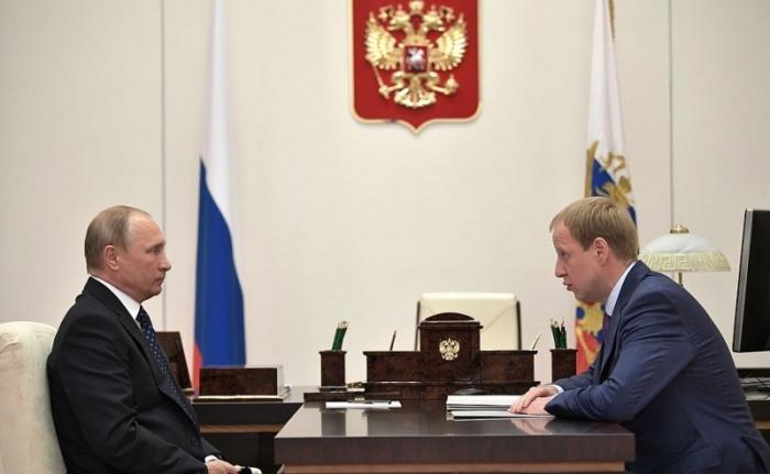 Владимир Путин провёл рабочую встречу с врио губернатора Алтайского края Виктором Томенко