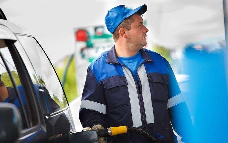 5 главных разводок на автомобильных заправках: не попадитесь на крючок!