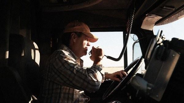 Украинский дальнобойщик сравнил свою страну с Россией: «У вас – порядок, у нас 90-е»