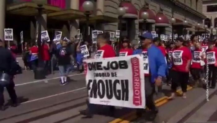 В США задержали 75 демонстрантов, требовавших улучшить условия труда