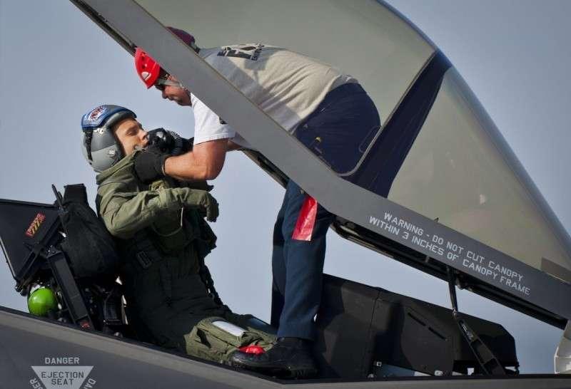 Пентагон занимается приписками, чтобы спасти проект F-35 Молния