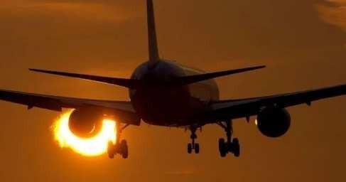 В США вспышка неизвестной болезни мгновенно поразила пассажиров авиалайнера
