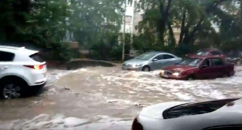 Ялта превратилась в Венецию после сильного ливня