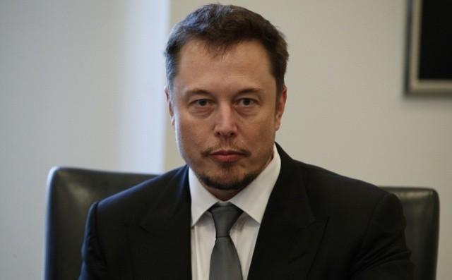 На афериста Илона Маска подали в суд за мошенничество