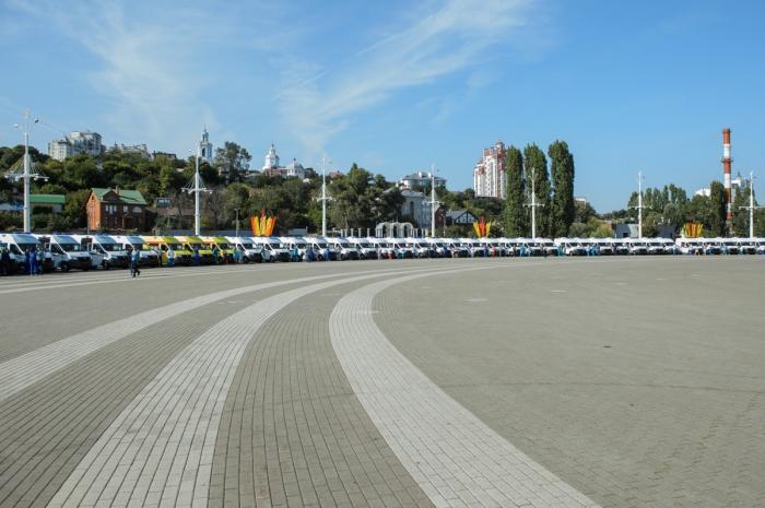 В Воронежской области медучреждения получили 95 новых машин «скорой»
