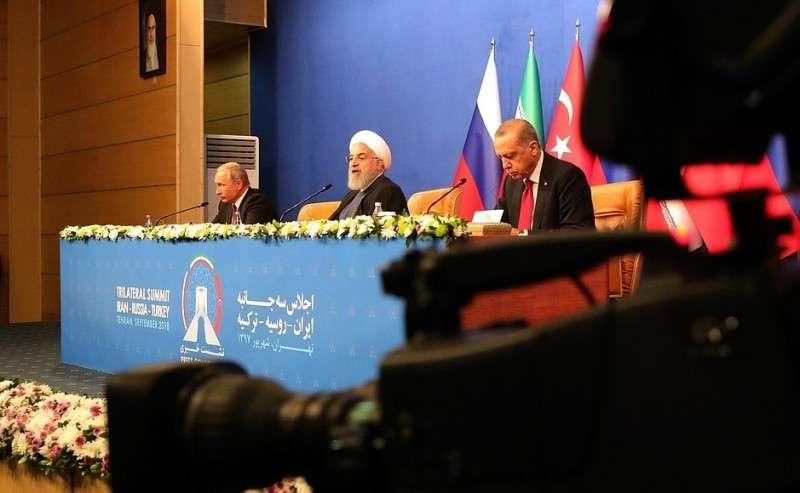 Пресс-конференция поитогам встречи сПрезидентом Ирана Хасаном Рухани иПрезидентом Турции Реджепом Тайипом Эрдоганом.