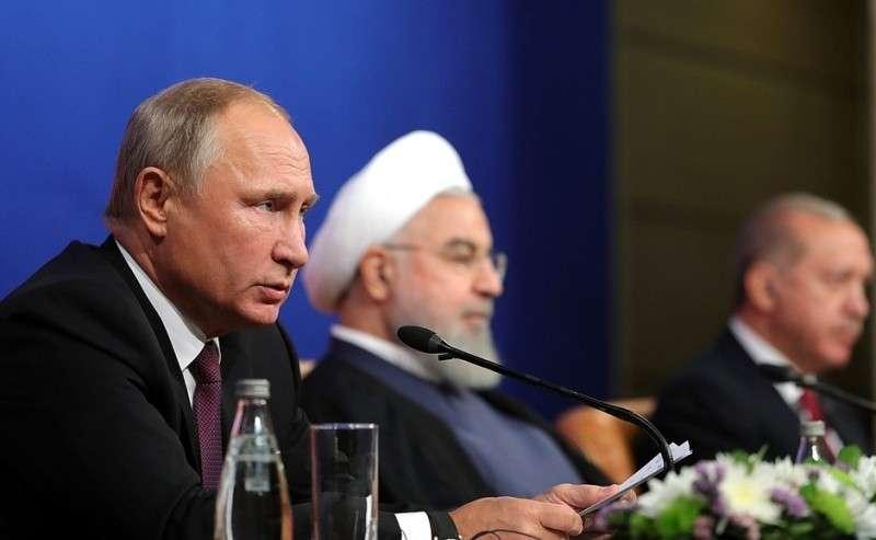 Напресс-конференции поитогам встречи сПрезидентом Ирана Хасаном Рухани иПрезидентом Турции Реджепом Тайипом Эрдоганом.