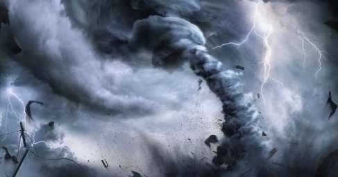Смерч и гроза и потоп вКрыму: очевидцы из Феодосии публикуют жуткие кадры