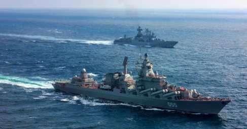 Кадры первых в новейшей истории учений ВМФ и ВКС России в Средиземном море