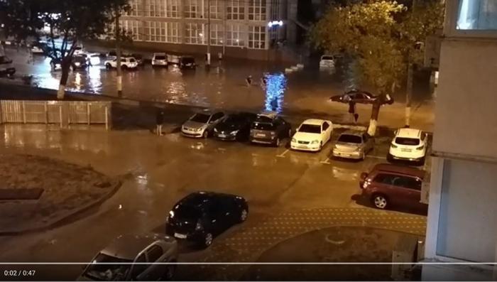 В Новороссийске за ночь выпала месячная норма осадков и это только начало