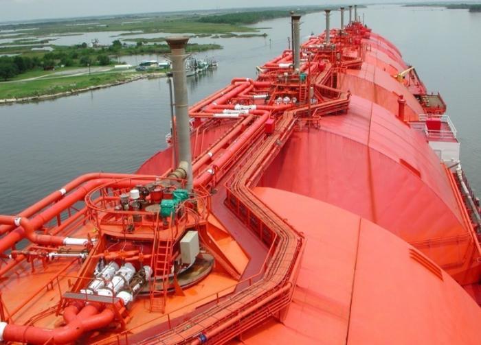 Доходы России от экспорта нефти выросли на треть, а физический объём снизился