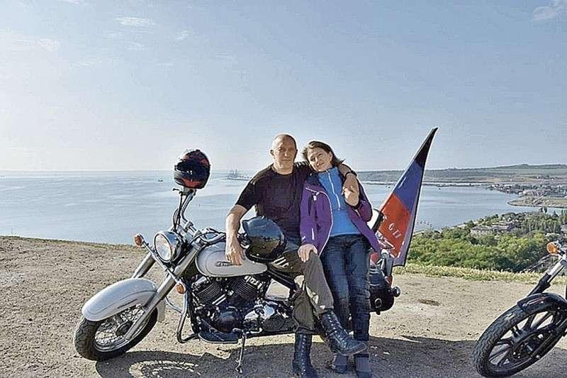 По возвращении домой Донбасс не отпускает Биктора Аносова... Фото: ok.ru