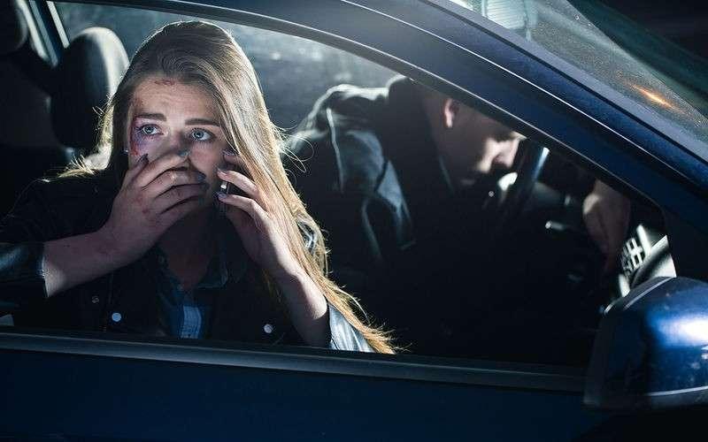Как остановить машину, если водителю внезапно стало плохо?