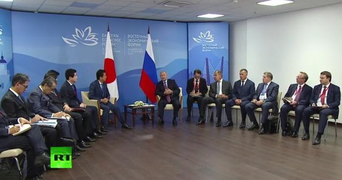Встреча Владимира Путина и Синдзо Абэ во Владивостоке. Прямая трансляция