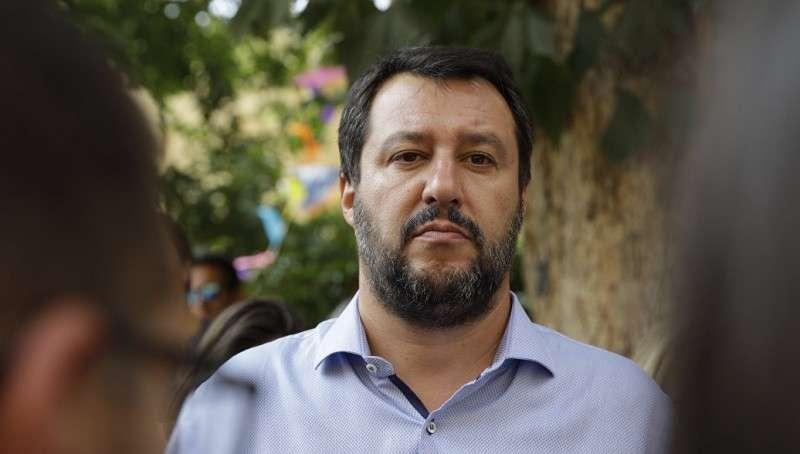 Отважный Итальянский вице-премьер анонсировал выход из санкций против России