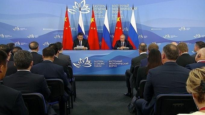 Владимир Путин и Си Цзиньпин сделали заявления для прессы поитогам переговоров