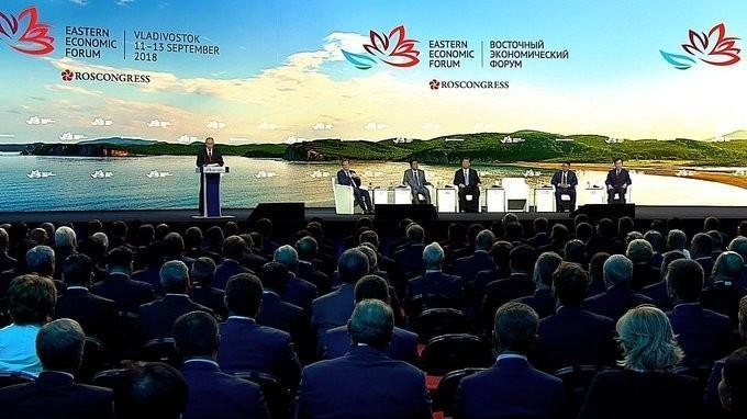 Владимир Путин выступил на пленарном заседание Восточного экономического форума