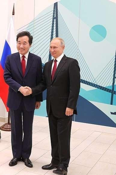 СПремьер-министром Республики КореяЛи Нак Ёном.