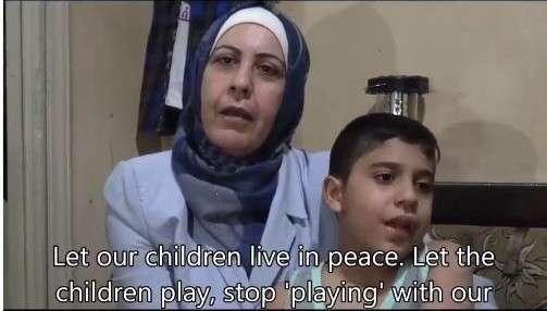 В сети появилось видео матери с ребёнком – участником съёмок Белых Касок в Идлибе