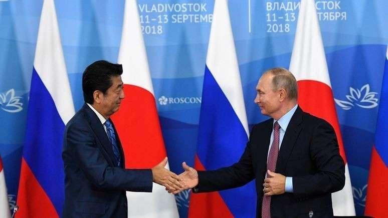 Япония грозит уйти от США к России и Китаю