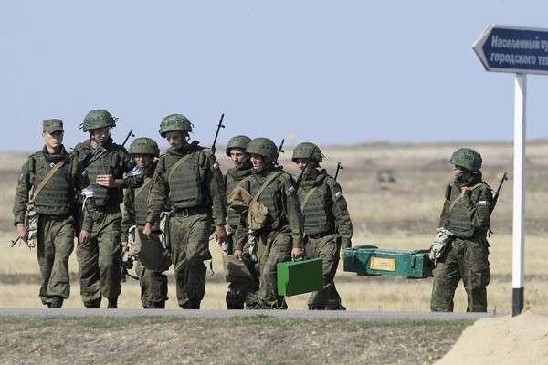Военнослужащие стали получать больше газовиков инефтяников