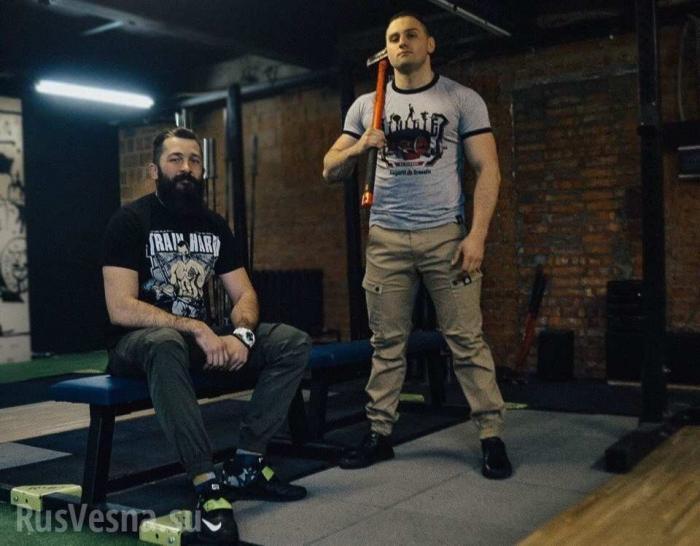 Одежда «от правосеков» свободно продаётся в России