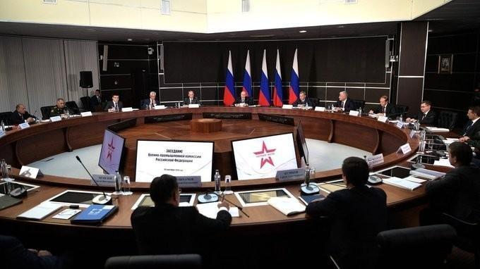 Владимир Путин провёл заседание Военно-промышленной комиссии России